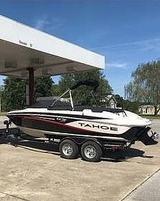 2014 Tahoe boat for sale, model of the boat is Q7i & Image # 4 of 9