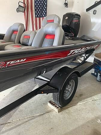 2017 Tracker Boats boat for sale, model of the boat is Team 190 TX & Image # 3 of 13