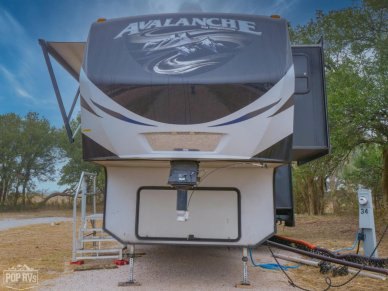 2015 Avalanche 390RB - #1