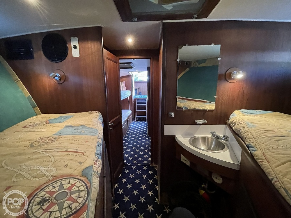 1969 Hatteras boat for sale, model of the boat is 45 & Image # 4 of 40