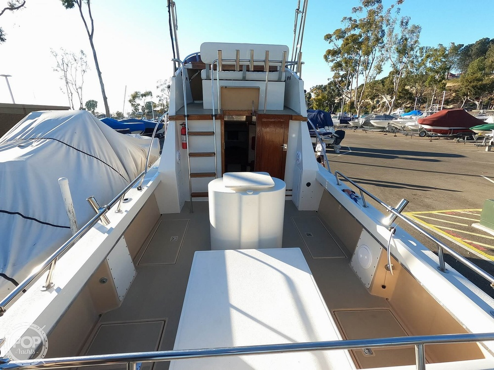 1985 Champion boat for sale, model of the boat is 26 Fish Hunter (Blackman) & Image # 2 of 40
