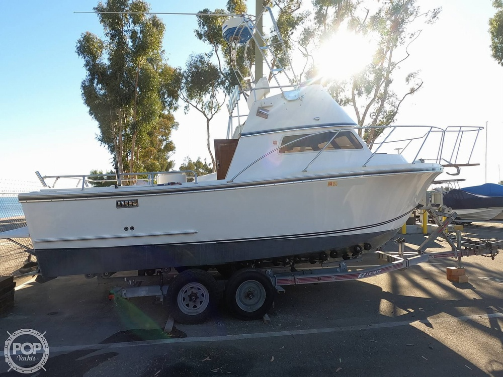 1985 Champion boat for sale, model of the boat is 26 Fish Hunter (Blackman) & Image # 4 of 40