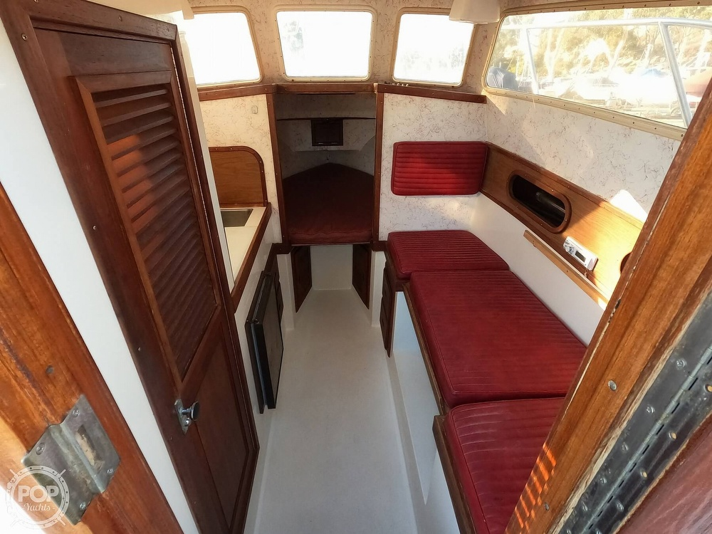 1985 Champion boat for sale, model of the boat is 26 Fish Hunter (Blackman) & Image # 15 of 40