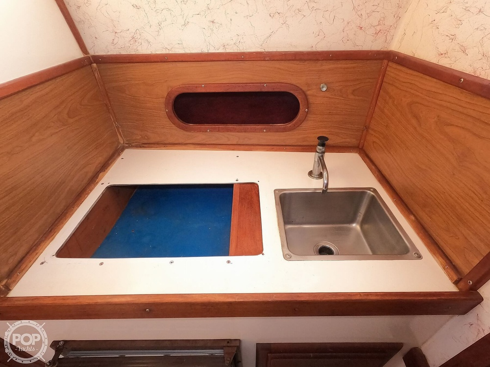 1985 Champion boat for sale, model of the boat is 26 Fish Hunter (Blackman) & Image # 19 of 40