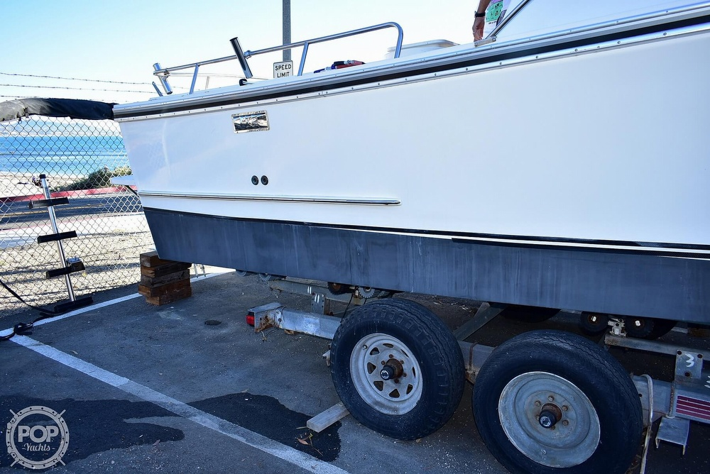 1985 Champion boat for sale, model of the boat is 26 Fish Hunter (Blackman) & Image # 38 of 40