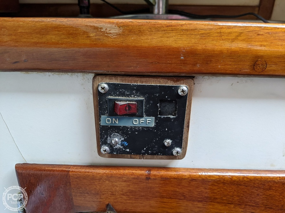 1982 Nightwind boat for sale, model of the boat is Pathfinder & Image # 30 of 40