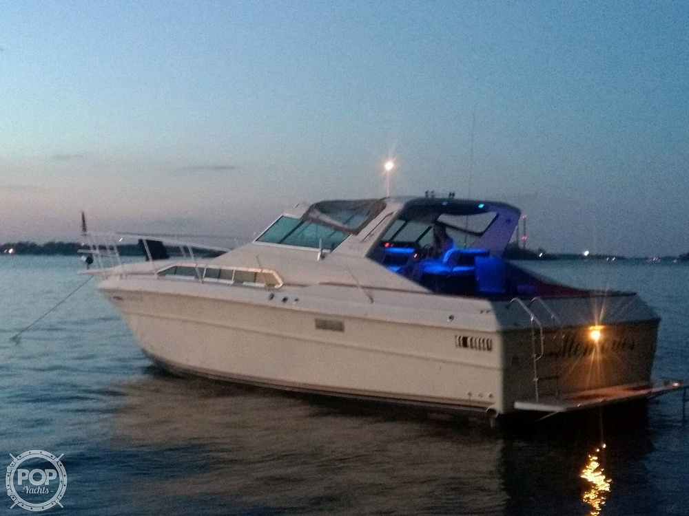 1983 Sea Ray SRV 360 Express - #$LI_INDEX