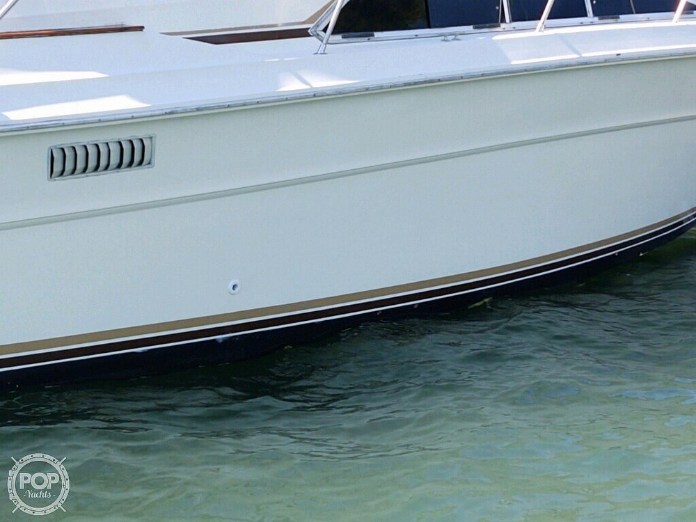 1983 Sea Ray boat for sale, model of the boat is SRV 360 Express & Image # 27 of 33