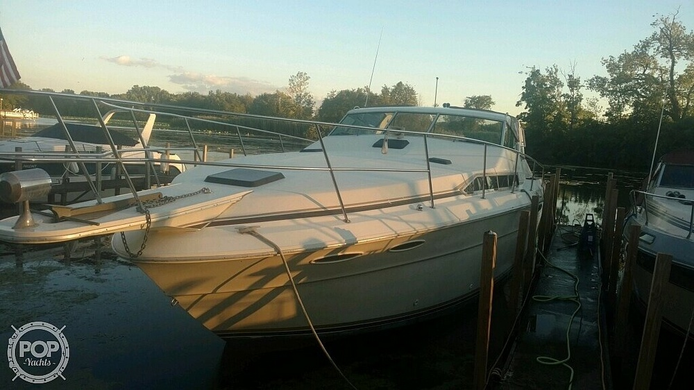 1983 Sea Ray boat for sale, model of the boat is SRV 360 Express & Image # 21 of 33