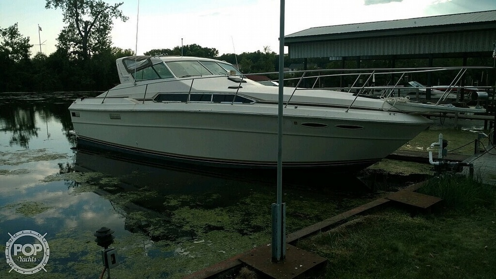 1983 Sea Ray boat for sale, model of the boat is SRV 360 Express & Image # 22 of 33