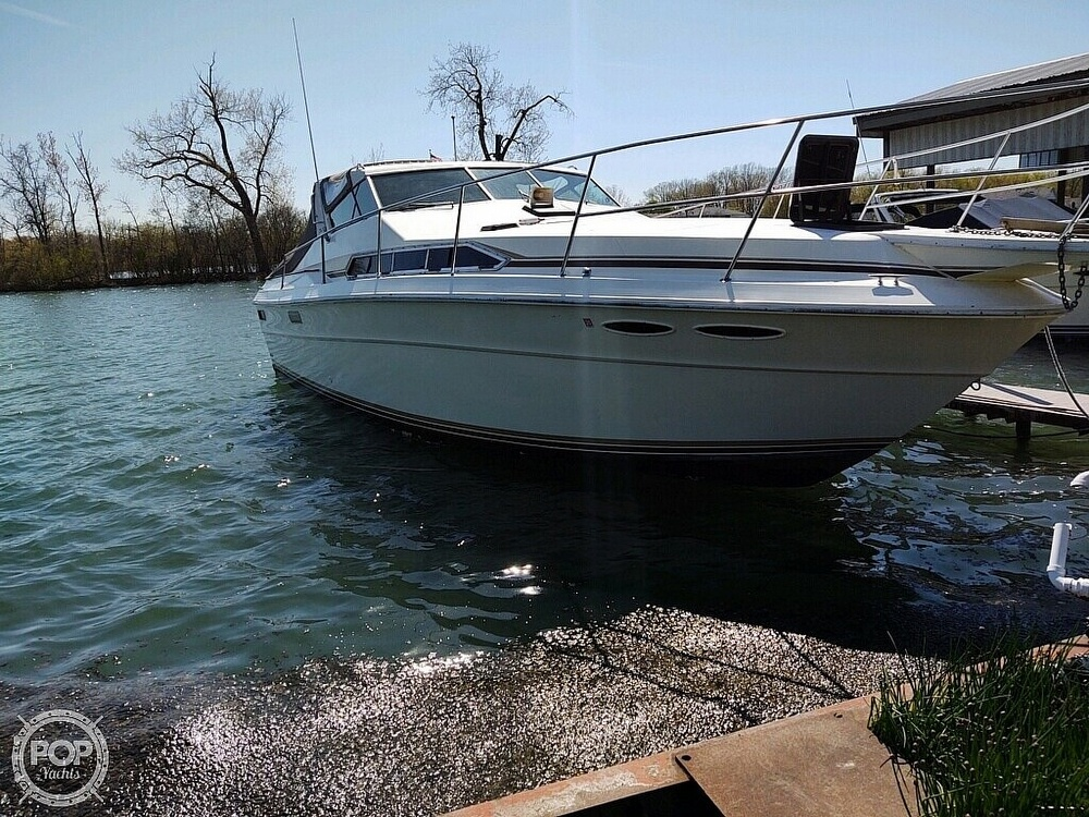 1983 Sea Ray boat for sale, model of the boat is SRV 360 Express & Image # 2 of 33
