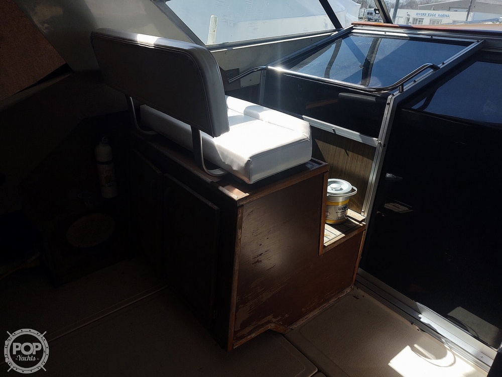 1983 Sea Ray boat for sale, model of the boat is SRV 360 Express & Image # 36 of 40