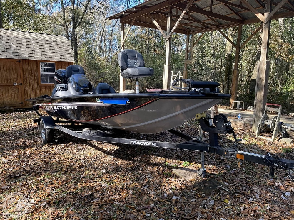 2019 Tracker Boats boat for sale, model of the boat is Pro Team 175 TXW & Image # 5 of 40