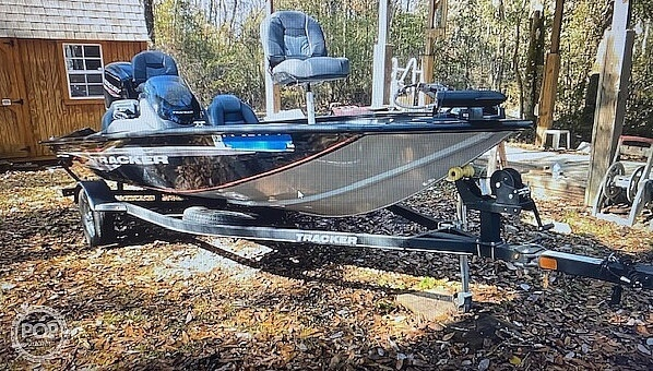 2019 Tracker Boats boat for sale, model of the boat is Pro Team 175 TXW & Image # 3 of 40