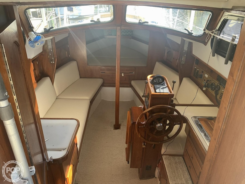 1989 Capital Yachts boat for sale, model of the boat is Gulf 29 Pilot & Image # 10 of 40