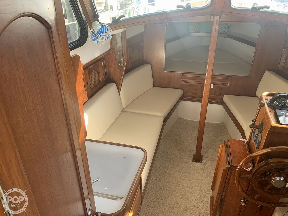 1989 Capital Yachts boat for sale, model of the boat is Gulf 29 Pilot & Image # 5 of 40