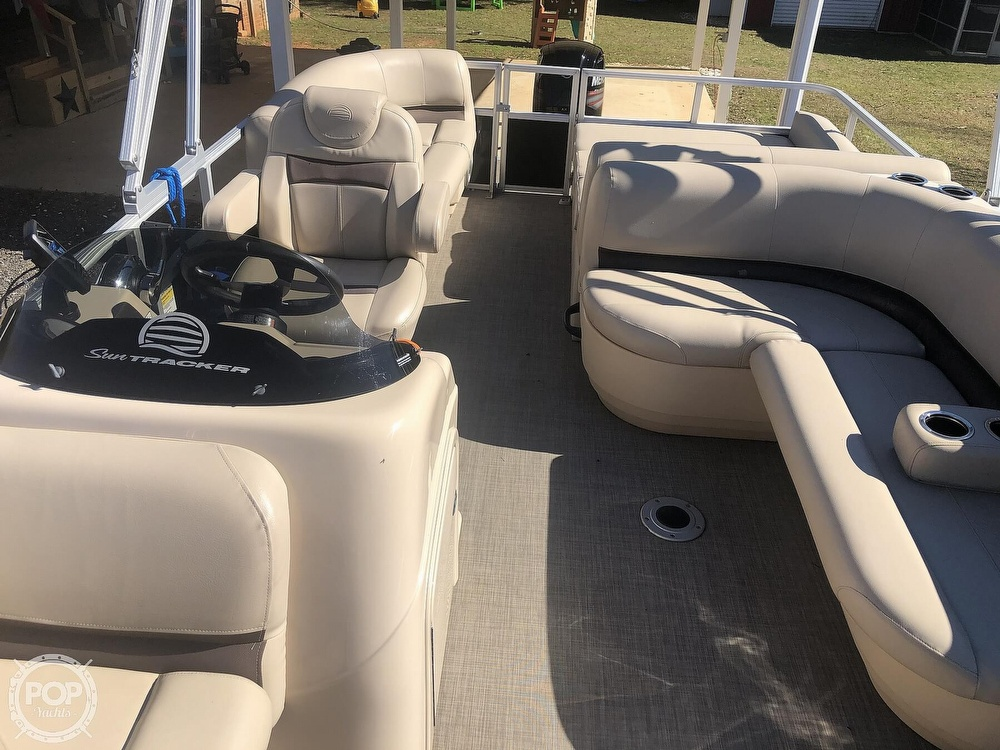 2017 Sun Tracker boat for sale, model of the boat is Party barge 22 dlx & Image # 31 of 40