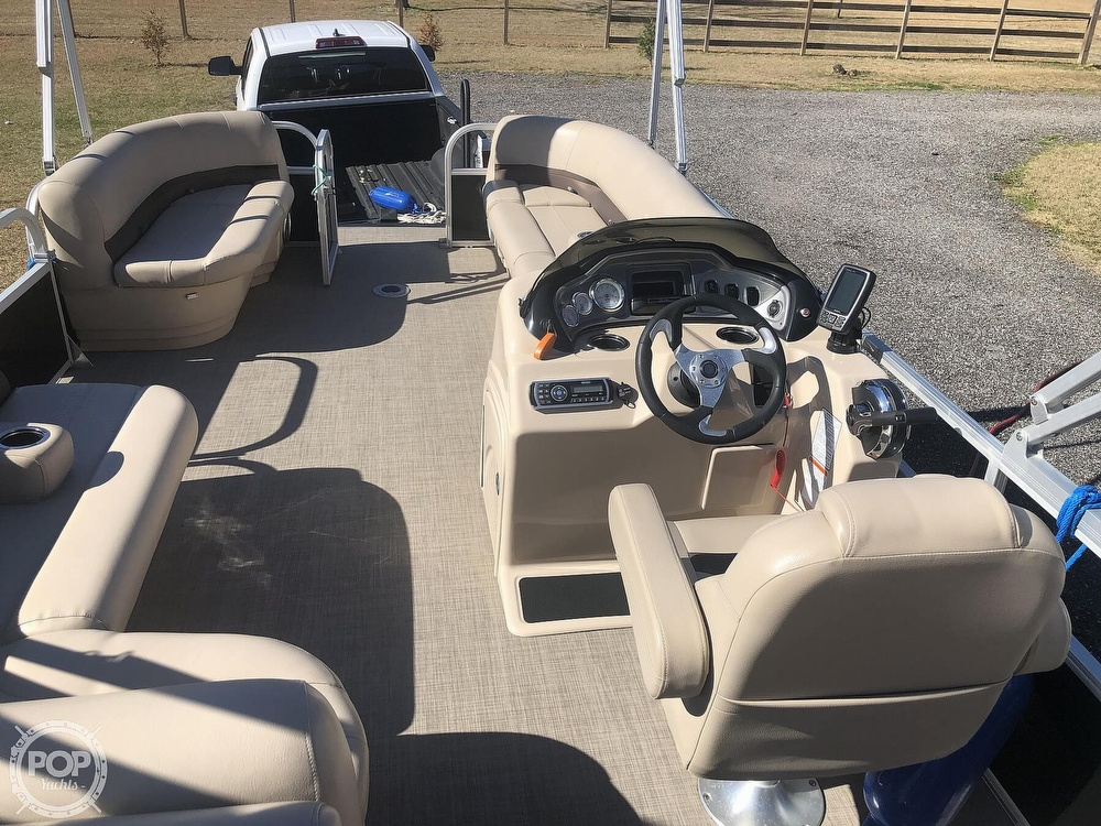 2017 Sun Tracker boat for sale, model of the boat is Party barge 22 dlx & Image # 30 of 40