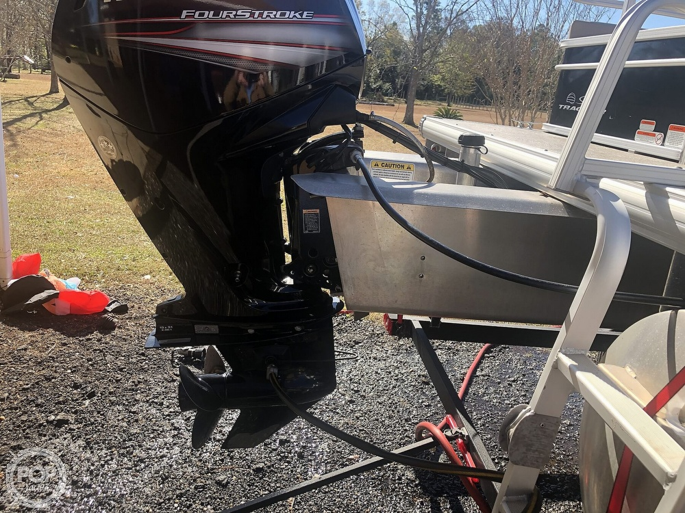 2017 Sun Tracker boat for sale, model of the boat is Party barge 22 dlx & Image # 16 of 40