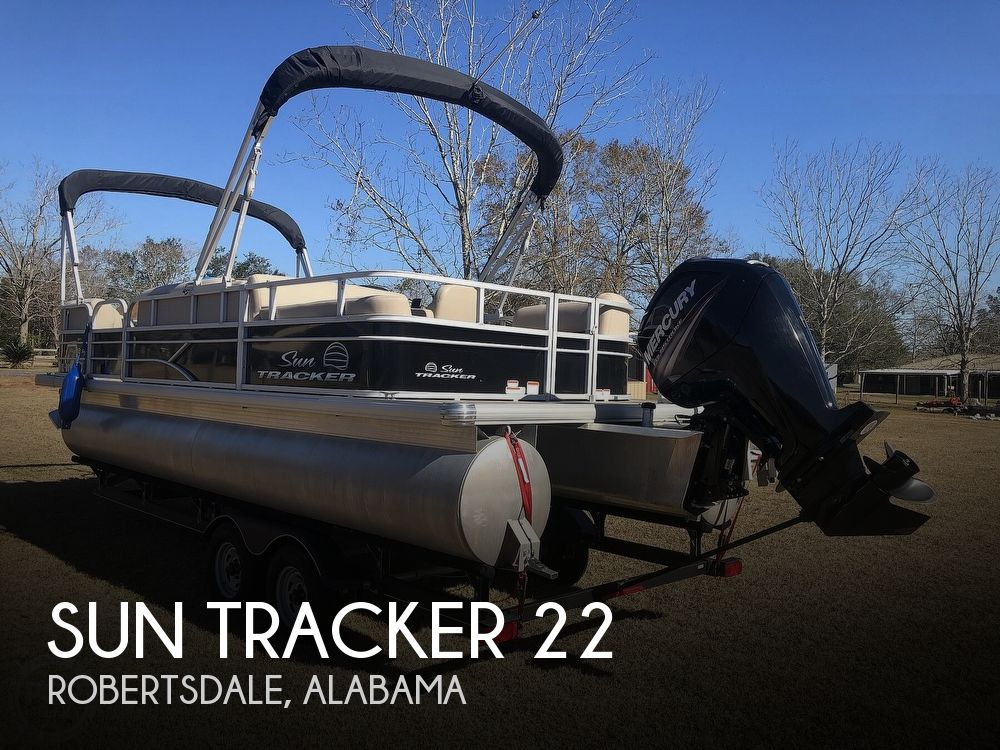 2017 Sun Tracker boat for sale, model of the boat is Party barge 22 dlx & Image # 1 of 40