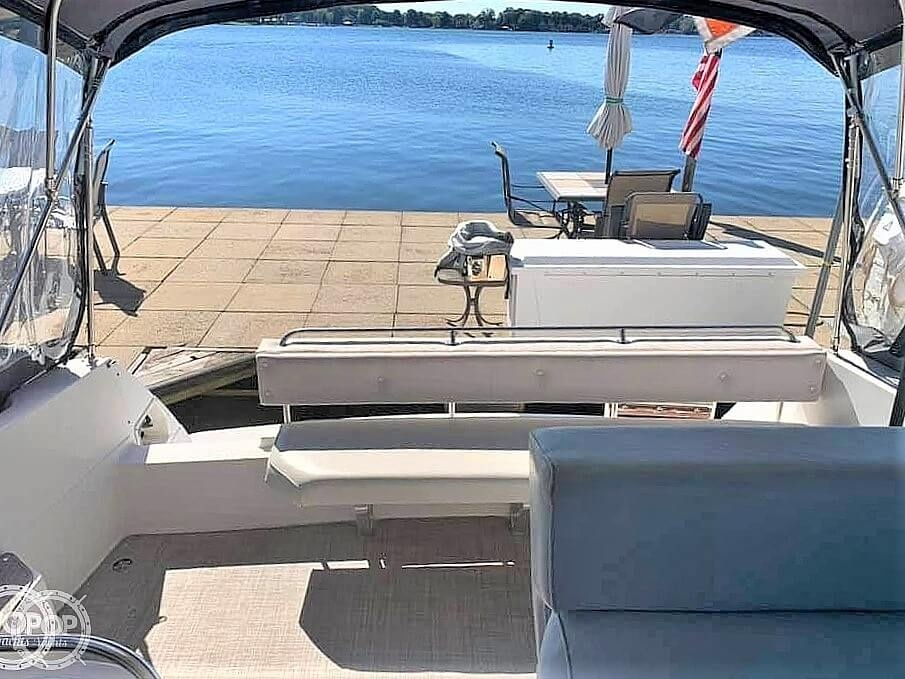 1990 Bayliner boat for sale, model of the boat is 3555 Avanti & Image # 5 of 40