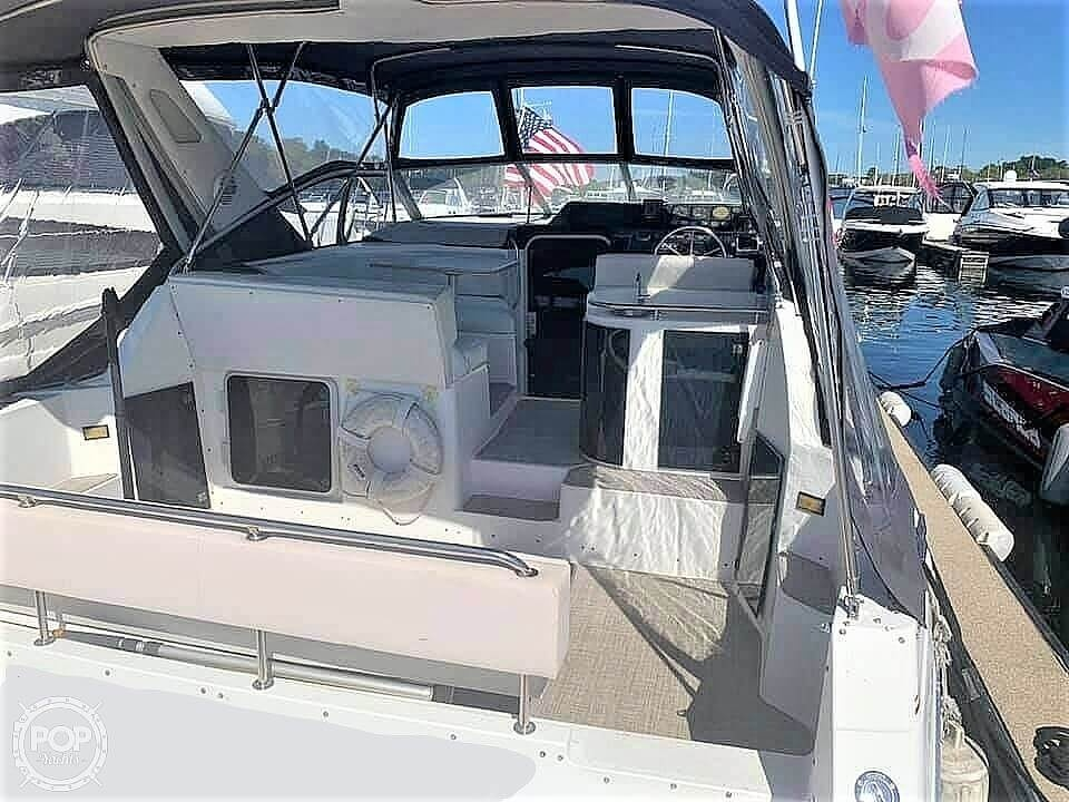 1990 Bayliner boat for sale, model of the boat is 3555 Avanti & Image # 12 of 40