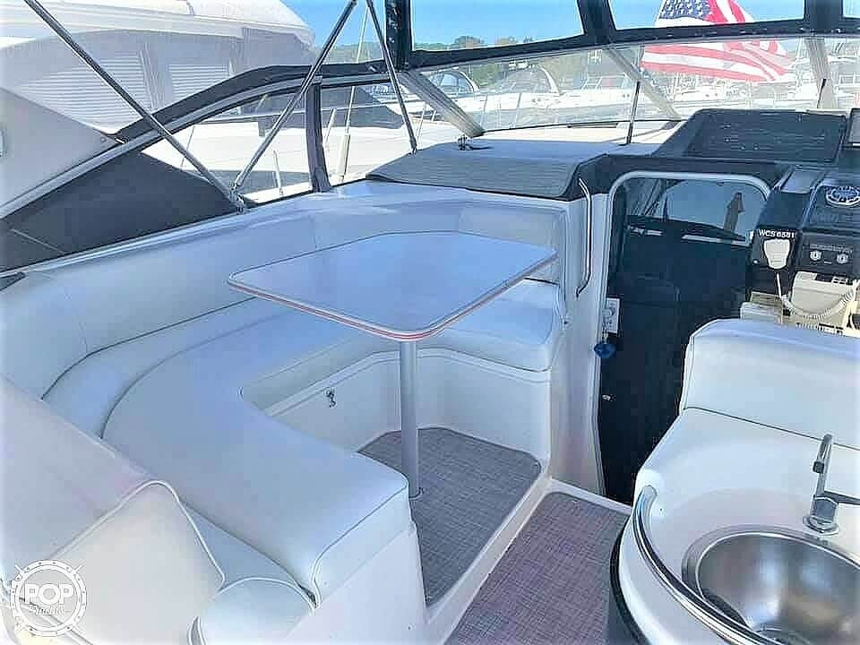 1990 Bayliner boat for sale, model of the boat is 3555 Avanti & Image # 8 of 40