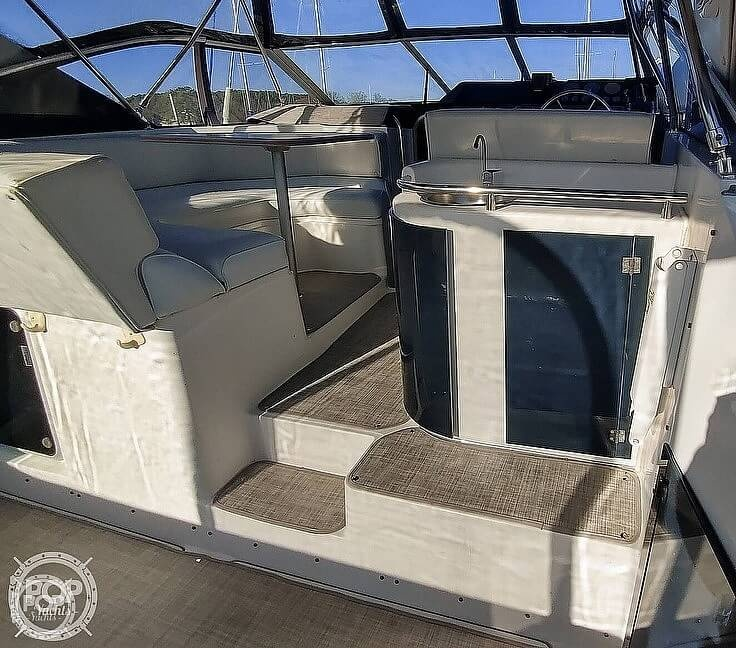 1990 Bayliner boat for sale, model of the boat is 3555 Avanti & Image # 37 of 40