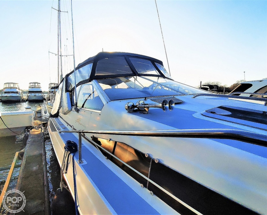 1990 Bayliner boat for sale, model of the boat is 3555 Avanti & Image # 15 of 40