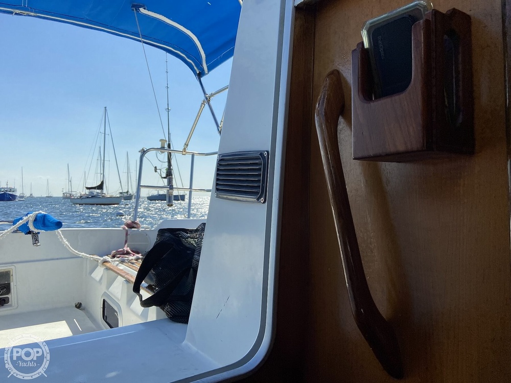 1988 Beneteau boat for sale, model of the boat is First 285 Wing Keel & Image # 20 of 40
