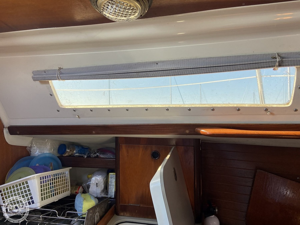 1988 Beneteau boat for sale, model of the boat is First 285 Wing Keel & Image # 26 of 40