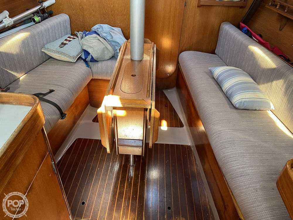 1988 Beneteau boat for sale, model of the boat is First 285 Wing Keel & Image # 5 of 40