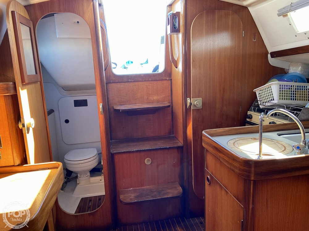 1988 Beneteau boat for sale, model of the boat is First 285 Wing Keel & Image # 31 of 40