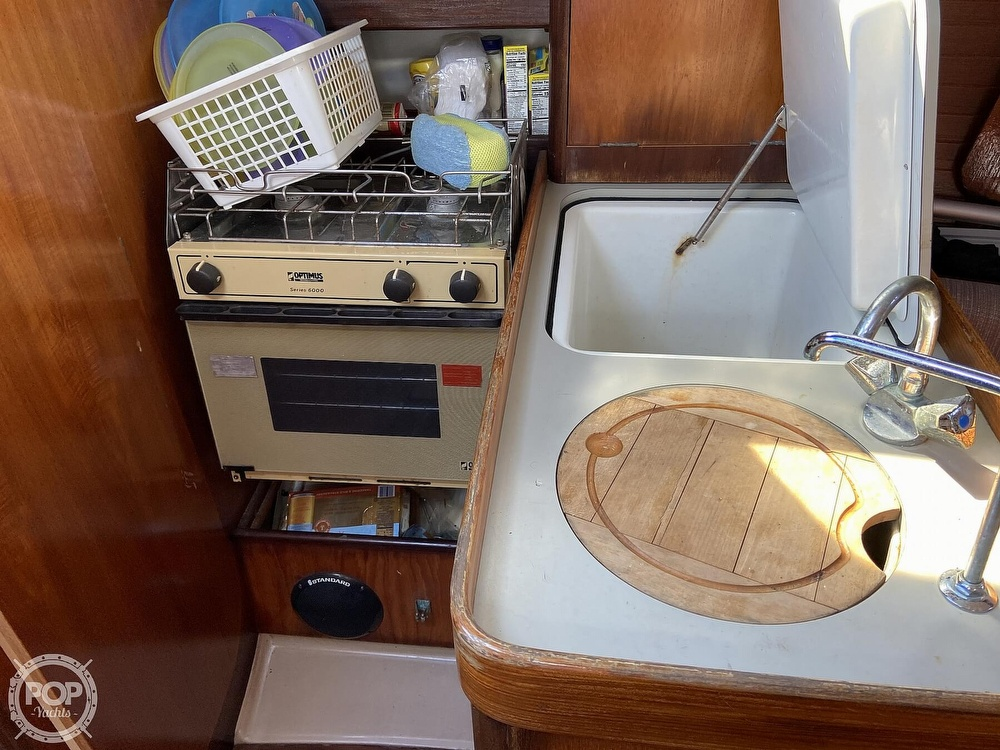 1988 Beneteau boat for sale, model of the boat is First 285 Wing Keel & Image # 12 of 40