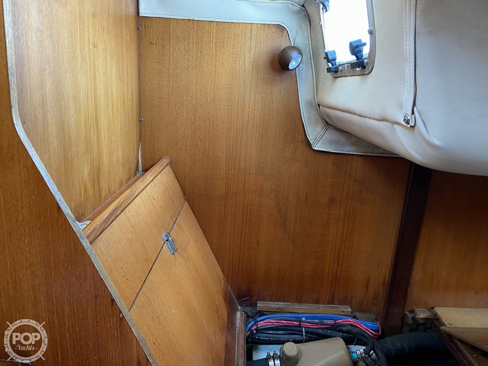 1988 Beneteau boat for sale, model of the boat is First 285 Wing Keel & Image # 36 of 40