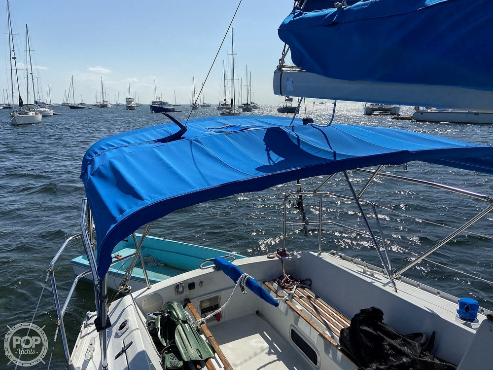 1988 Beneteau boat for sale, model of the boat is First 285 Wing Keel & Image # 11 of 40