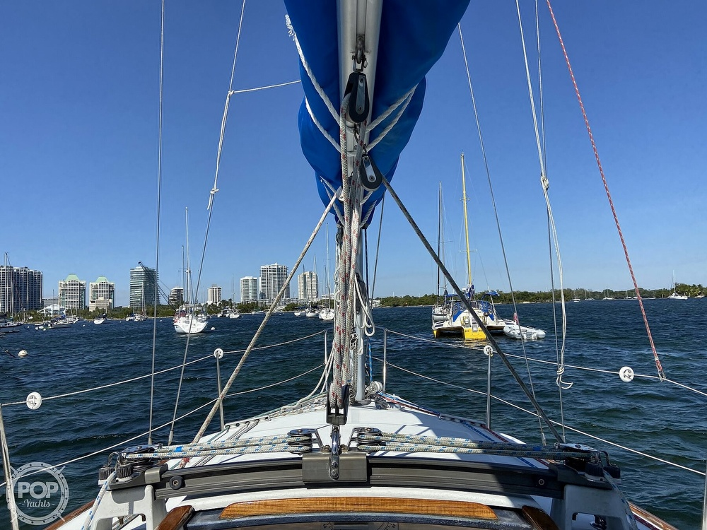 1988 Beneteau boat for sale, model of the boat is First 285 Wing Keel & Image # 7 of 40