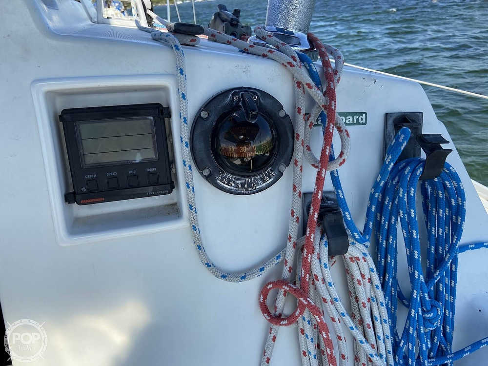 1988 Beneteau boat for sale, model of the boat is First 285 Wing Keel & Image # 19 of 40