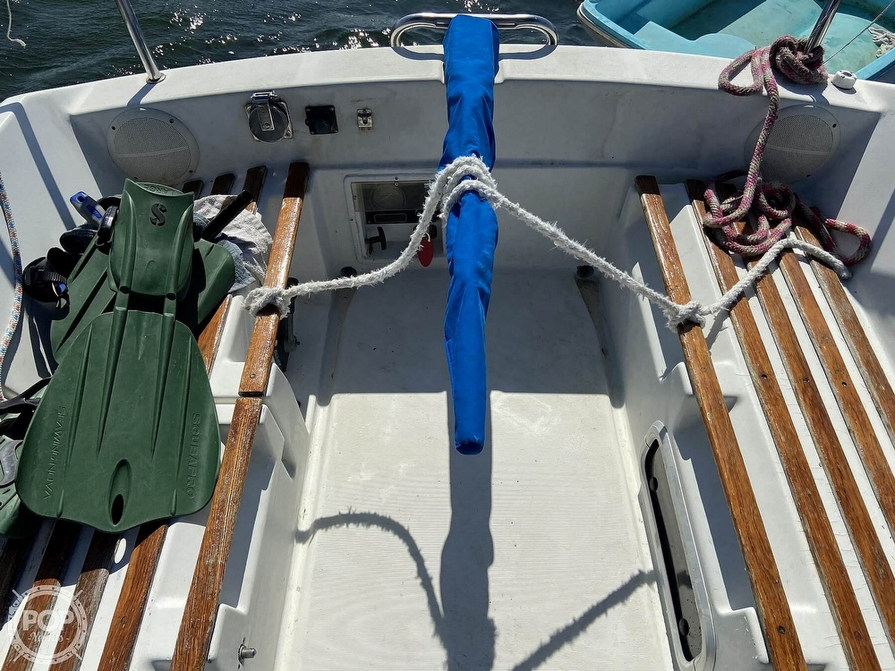 1988 Beneteau boat for sale, model of the boat is First 285 Wing Keel & Image # 10 of 40