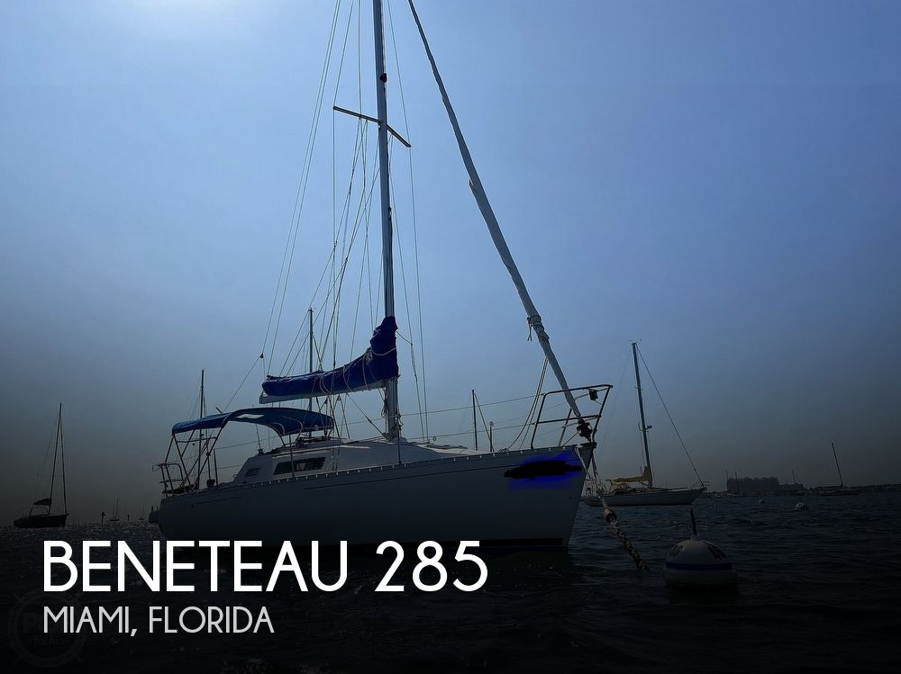 1988 Beneteau boat for sale, model of the boat is First 285 Wing Keel & Image # 1 of 40