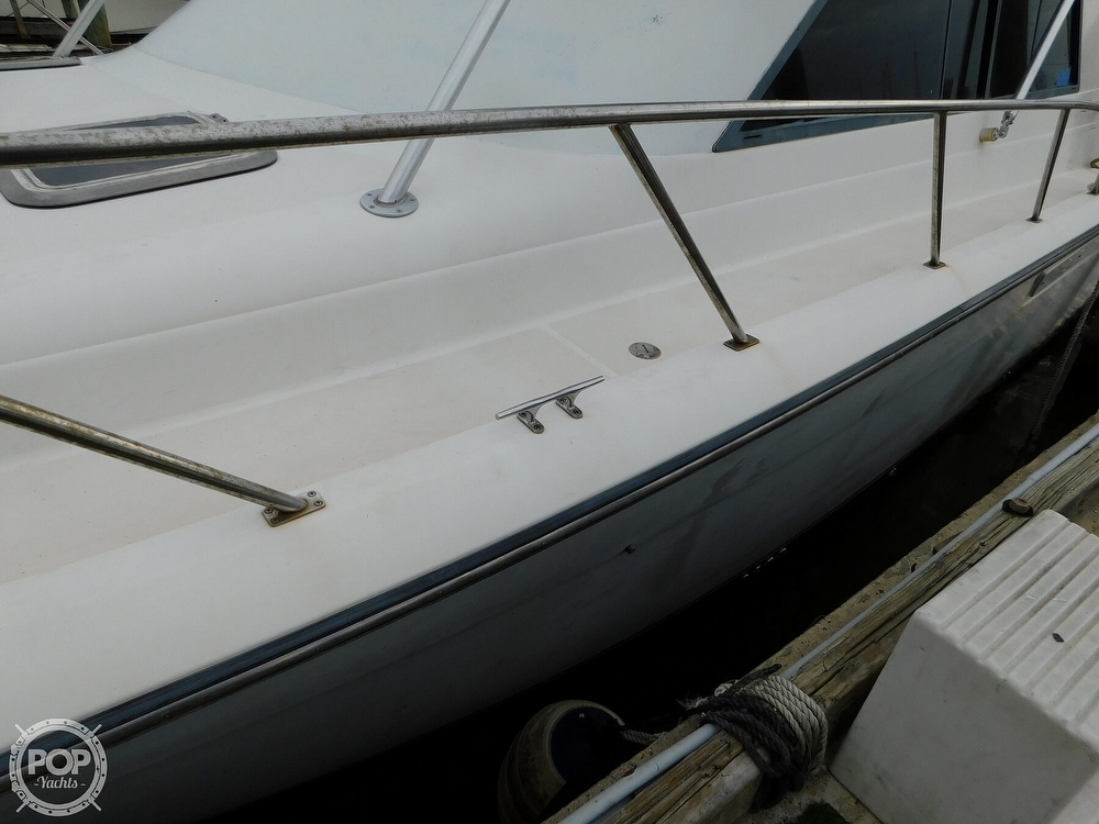 1990 Tiara Yachts boat for sale, model of the boat is 4300 & Image # 9 of 40
