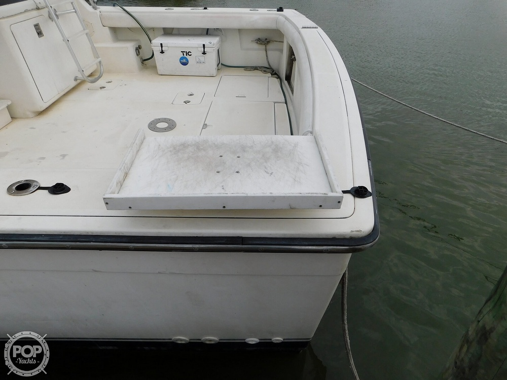 1990 Tiara Yachts boat for sale, model of the boat is 4300 & Image # 17 of 40