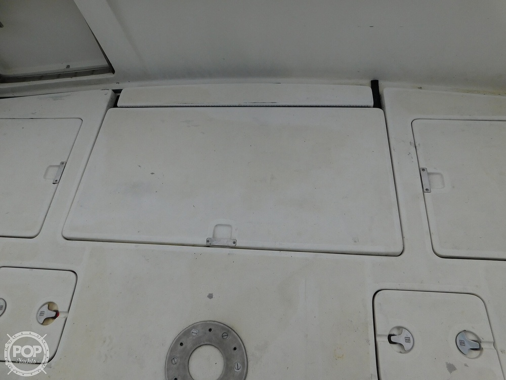 1990 Tiara Yachts boat for sale, model of the boat is 4300 & Image # 32 of 40