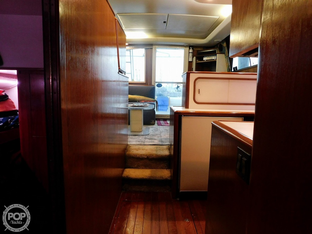 1990 Tiara Yachts boat for sale, model of the boat is 4300 & Image # 3 of 40