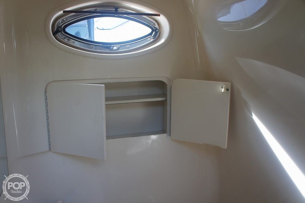 2001 Sea Ray boat for sale, model of the boat is 270 Sundancer & Image # 38 of 40