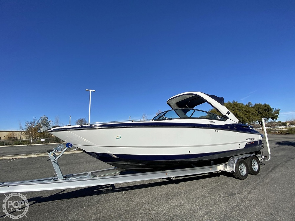2018 Monterey boat for sale, model of the boat is 298SS & Image # 33 of 40