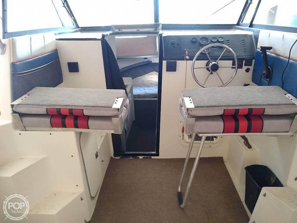 1993 Bayliner boat for sale, model of the boat is 2452 Cabin & Image # 22 of 40