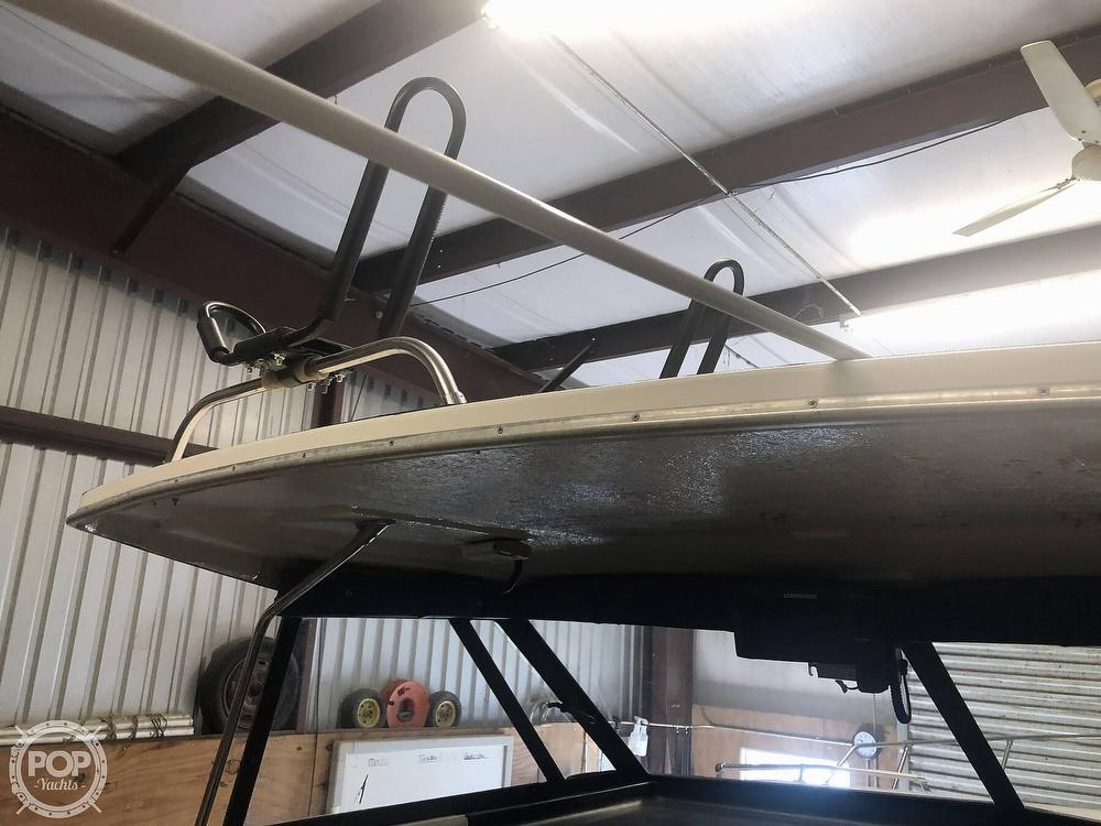 1993 Bayliner boat for sale, model of the boat is 2452 Cabin & Image # 25 of 40