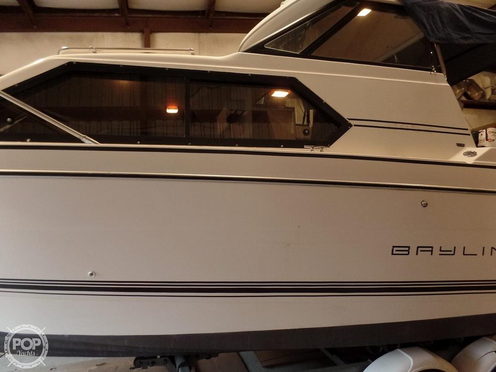 1993 Bayliner boat for sale, model of the boat is 2452 Cabin & Image # 8 of 40