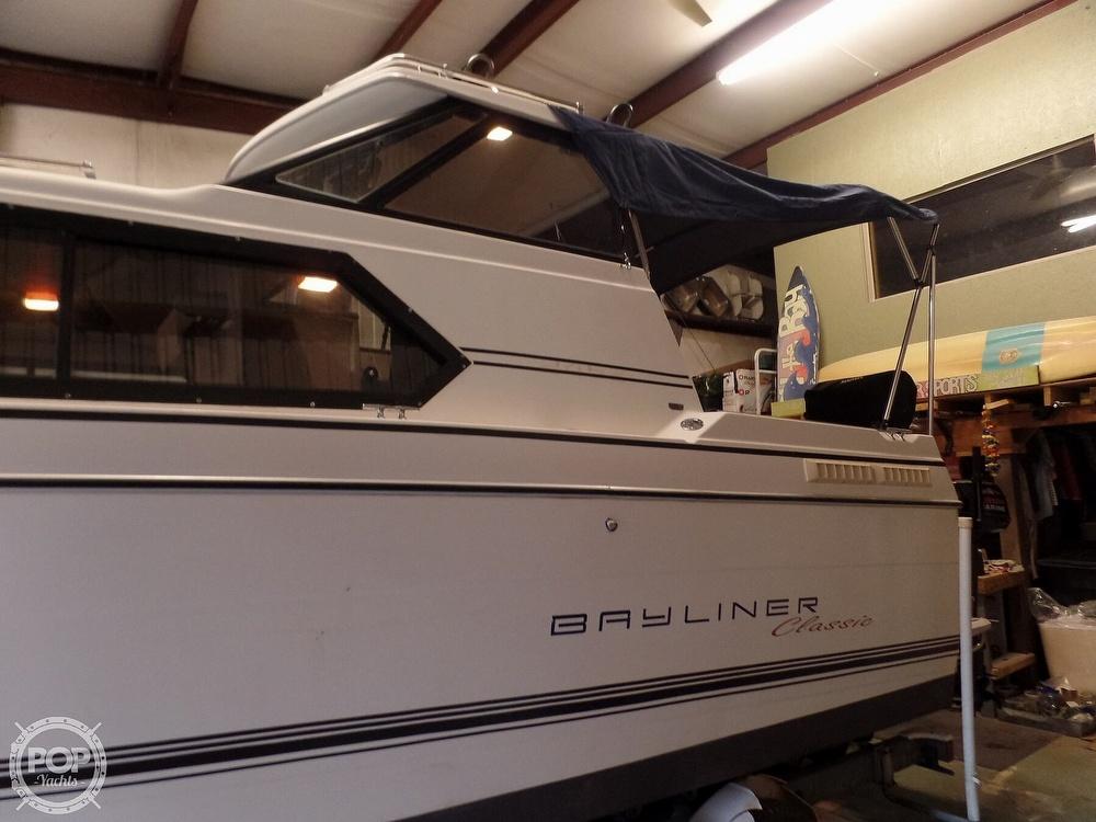 1993 Bayliner boat for sale, model of the boat is 2452 Cabin & Image # 9 of 40